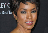 Angela-bassett-soft-smoky-eye-makeup-side
